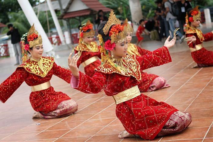 6 Tari Tradisional Sumatera Selatan dan Penjelasannya