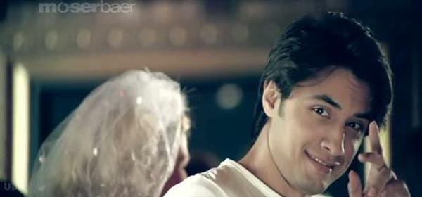 Indian Movie - Badtameez Dil