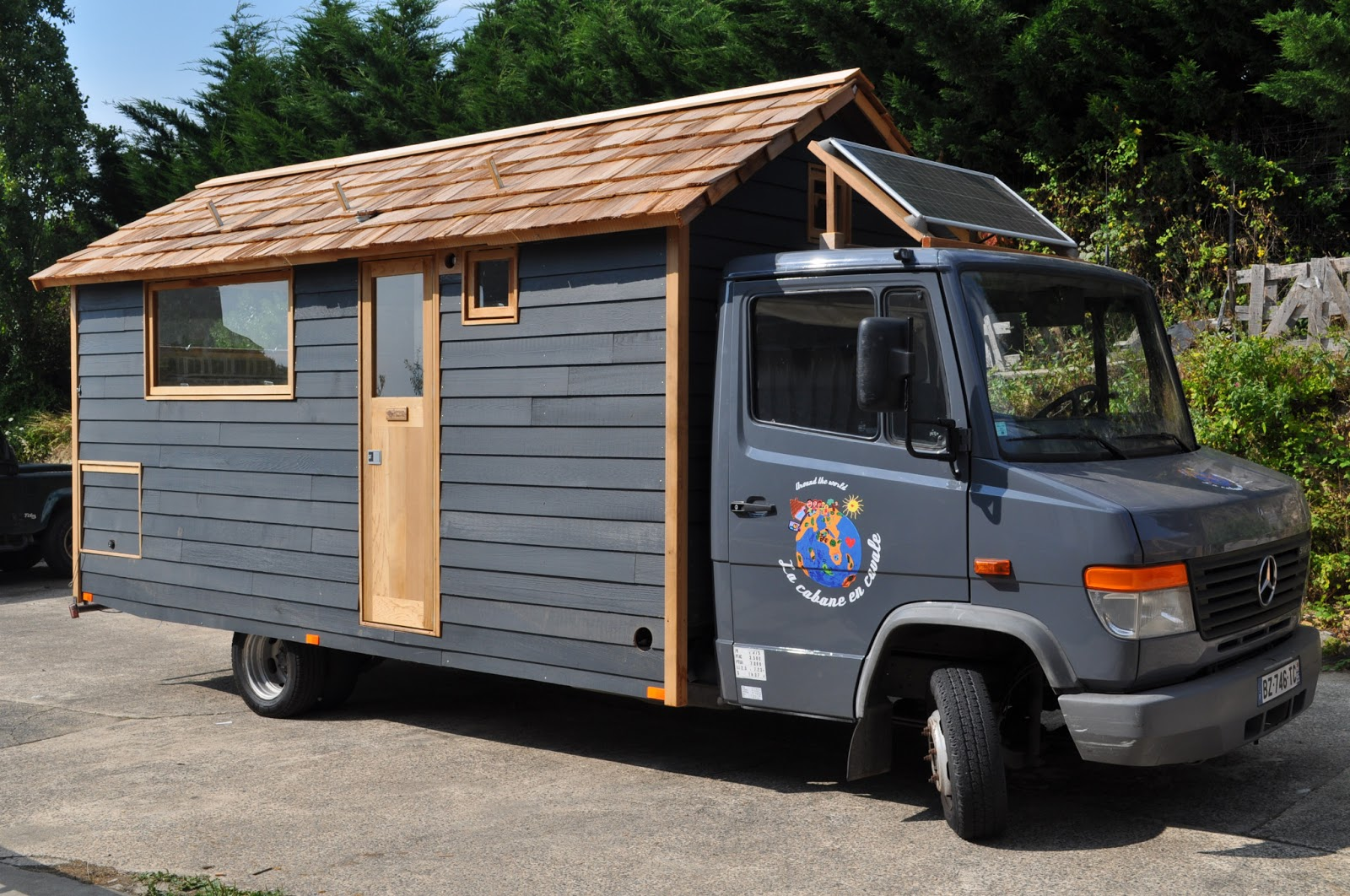 la cabane en cavale la cabane en cavale. Black Bedroom Furniture Sets. Home Design Ideas