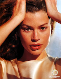 Carrie Otis Plus Size Model http://anakhaircolorcorner.blogspot.com/2011/10/where-are-they-now-carre-otis.html