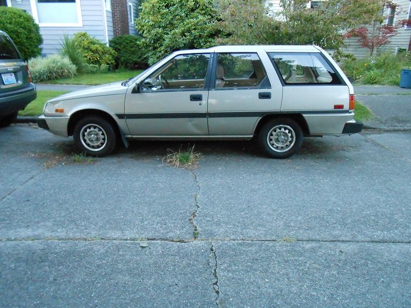 Seattle's Parked Cars: 1988 Dodge Colt DL Wagon
