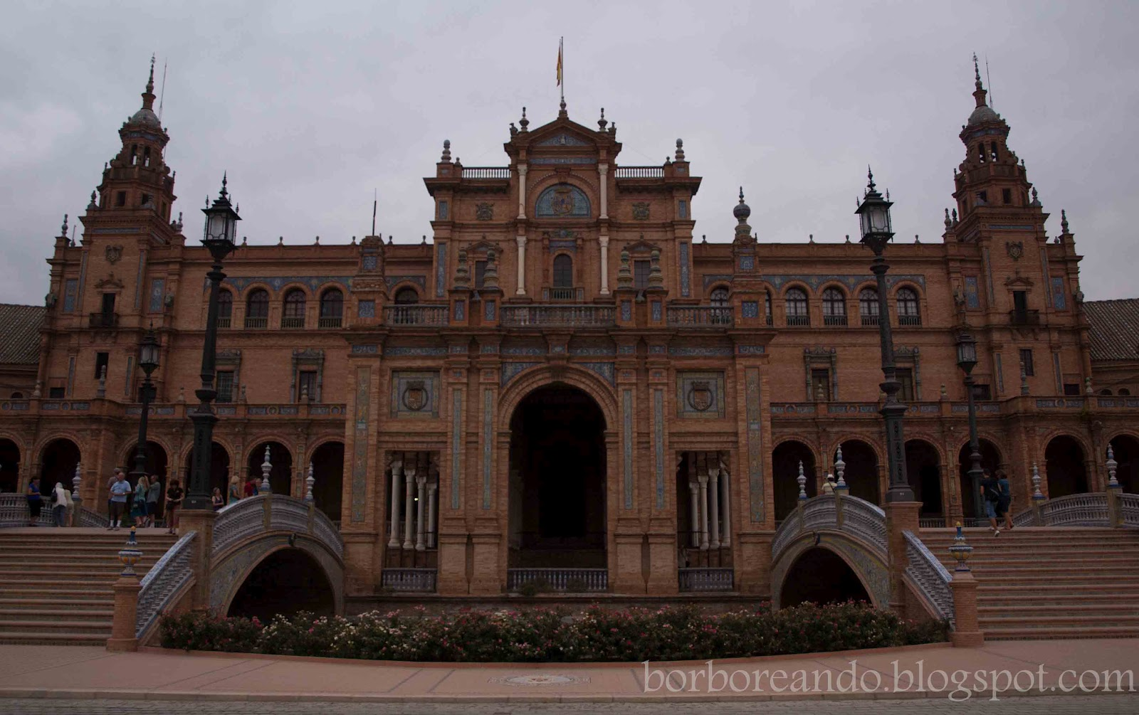 Mi mirada del mundo arquitectura regionalista v plaza de for Arquitectura de espana