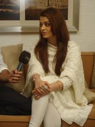Aishwarya Rai in White Lucknowi Chikan Suit