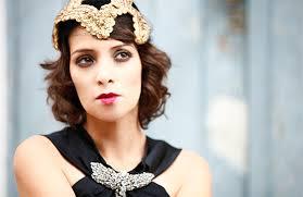 Gaby Moreno canta tema de Duque e Guiomar
