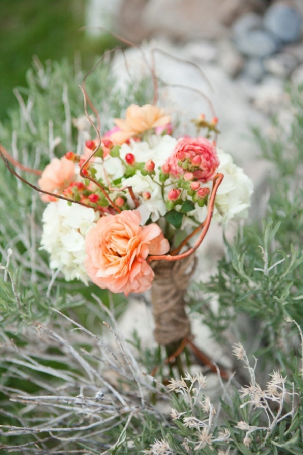 blush pink and coral wedding bouquets for fall weddings