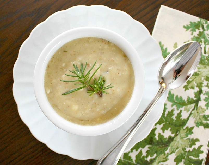APPLE A DAY: Meatless Monday--Potato Rosemary Soup