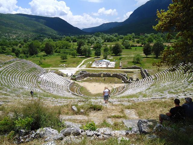 Το Αρχαίο θέατρο της Δωδώνης..