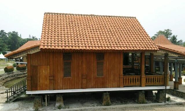bentuk atap rumah gudang