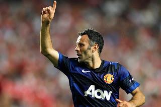 Giggs renovó su contrato con el Manchester United