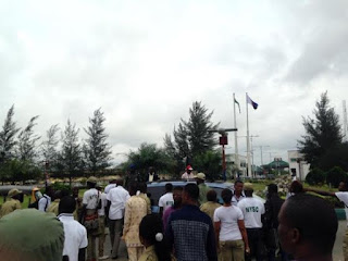 Tear gas used to disperse Bayelsa Youth Corpers protesting over their pending allowance payment(Photos)