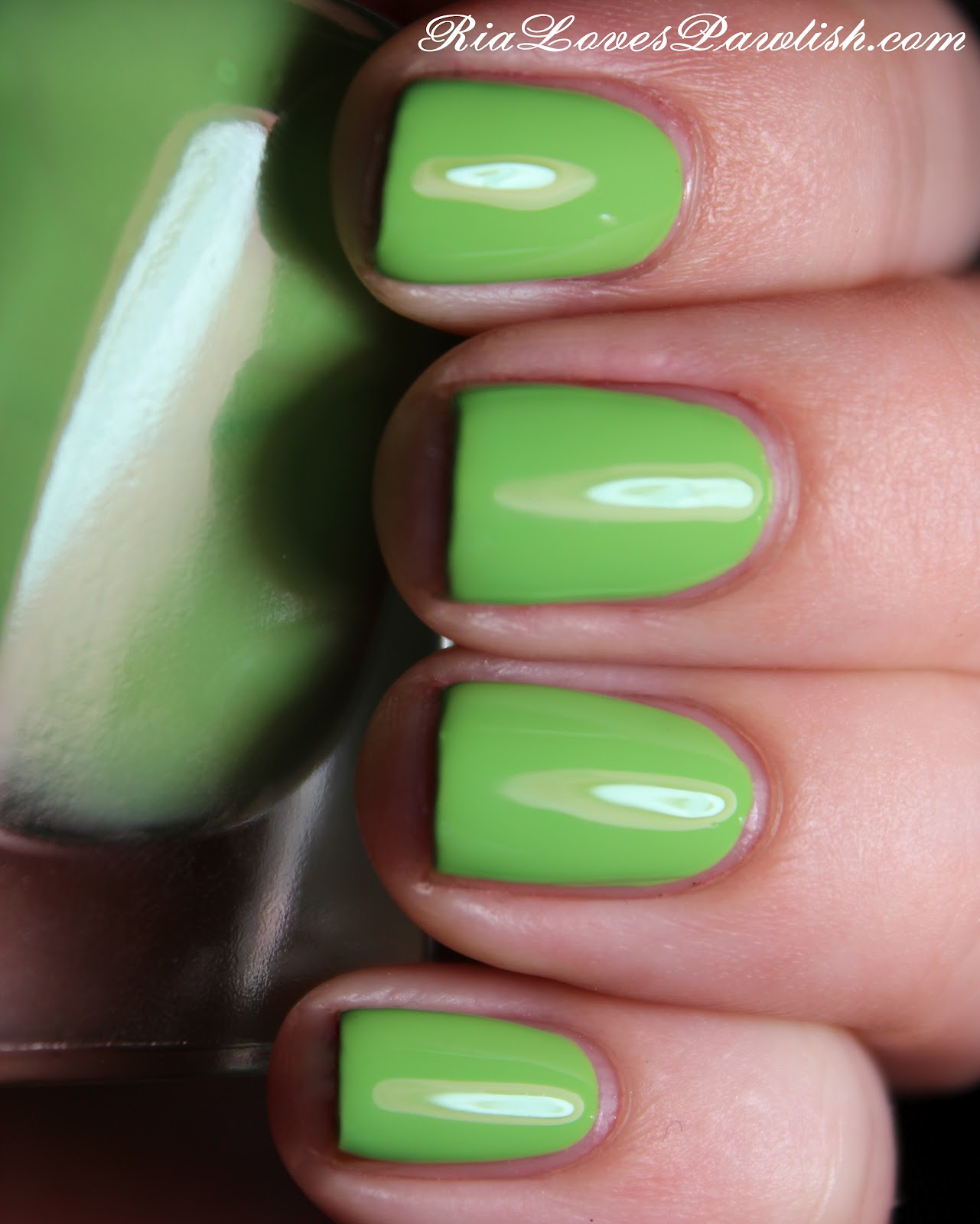 slime green sally hansen