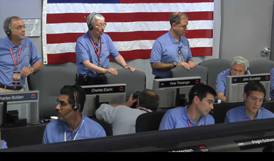 Curiosity MSL lands on Mars. Entry, Descent and Landing (EDL) team in blue shirts. Charles Elachi, Director of JPL and other bosses waiting for news. Control room at JPL, 6 August 2012. NASA/JPL.