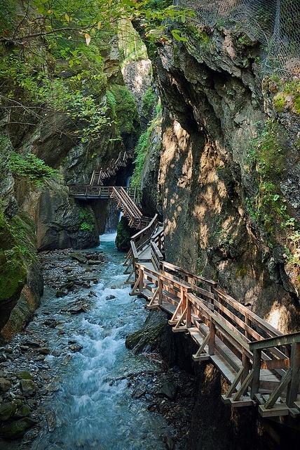 Svijet na dlanu - Page 3 Canyon+Path,+Fieberbrunn,+Tyrol,+Austria
