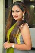 Prayaga Martin Glamorous photos-thumbnail-5