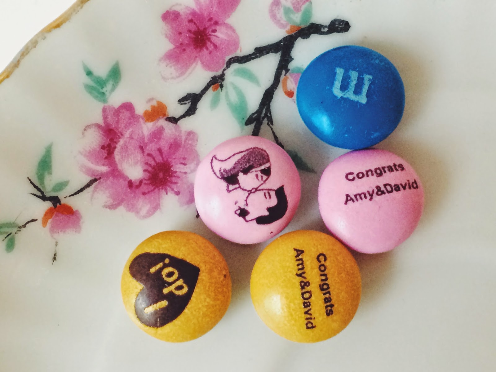Simply Sinova: How to Showcase Personalized MY M&MS Wedding Favors