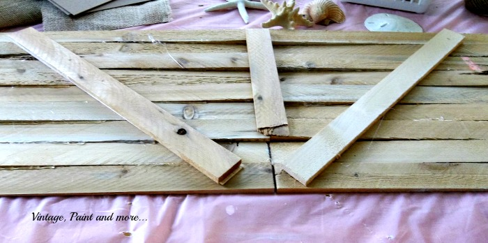 Vintage, Paint and more... using slats to make wall art