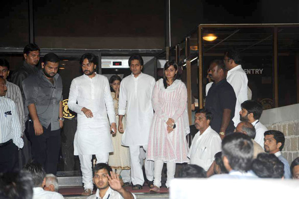 Salman Khanl & Other Celebrities attend prayer meet of late Shri Vilasrao Deshmukh