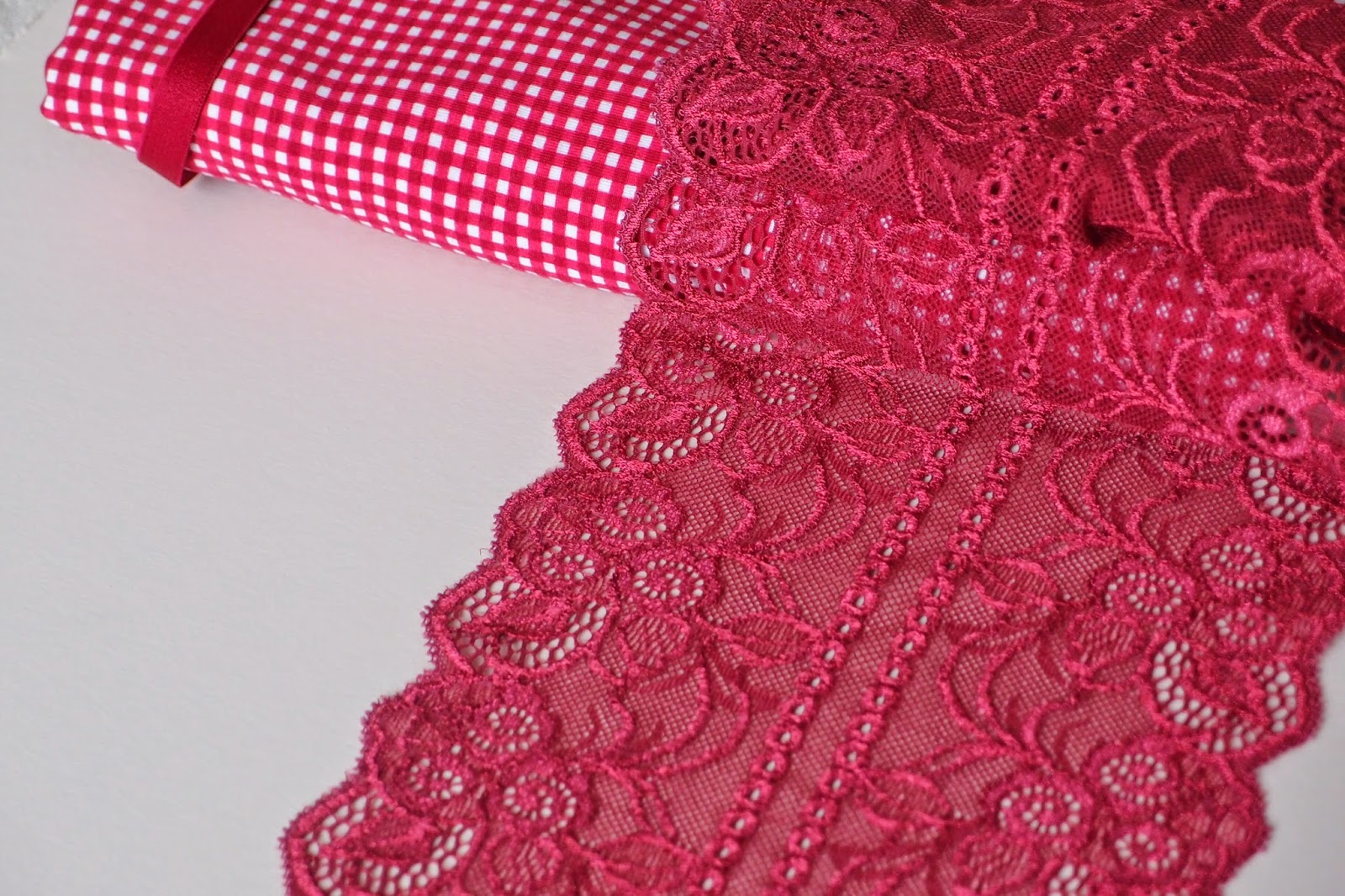 New combo - red checks cotton tricot and matching wine lace for next lingerie project