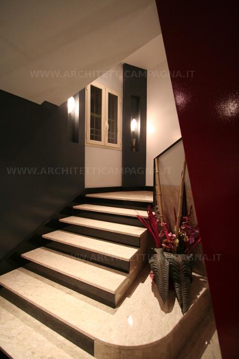 Diari di un architetto la riqualificazione di un ingresso for Arredare pianerottolo scale