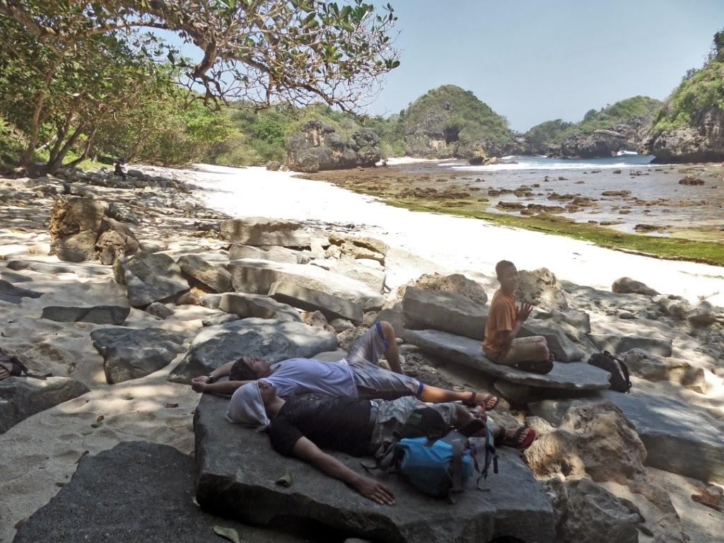 paket wisata pulau sempu malang