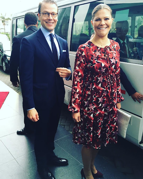 Crown Princess Victoria and Prince Daniel have started their second day in Lima early, leaving the hotel before 07.30