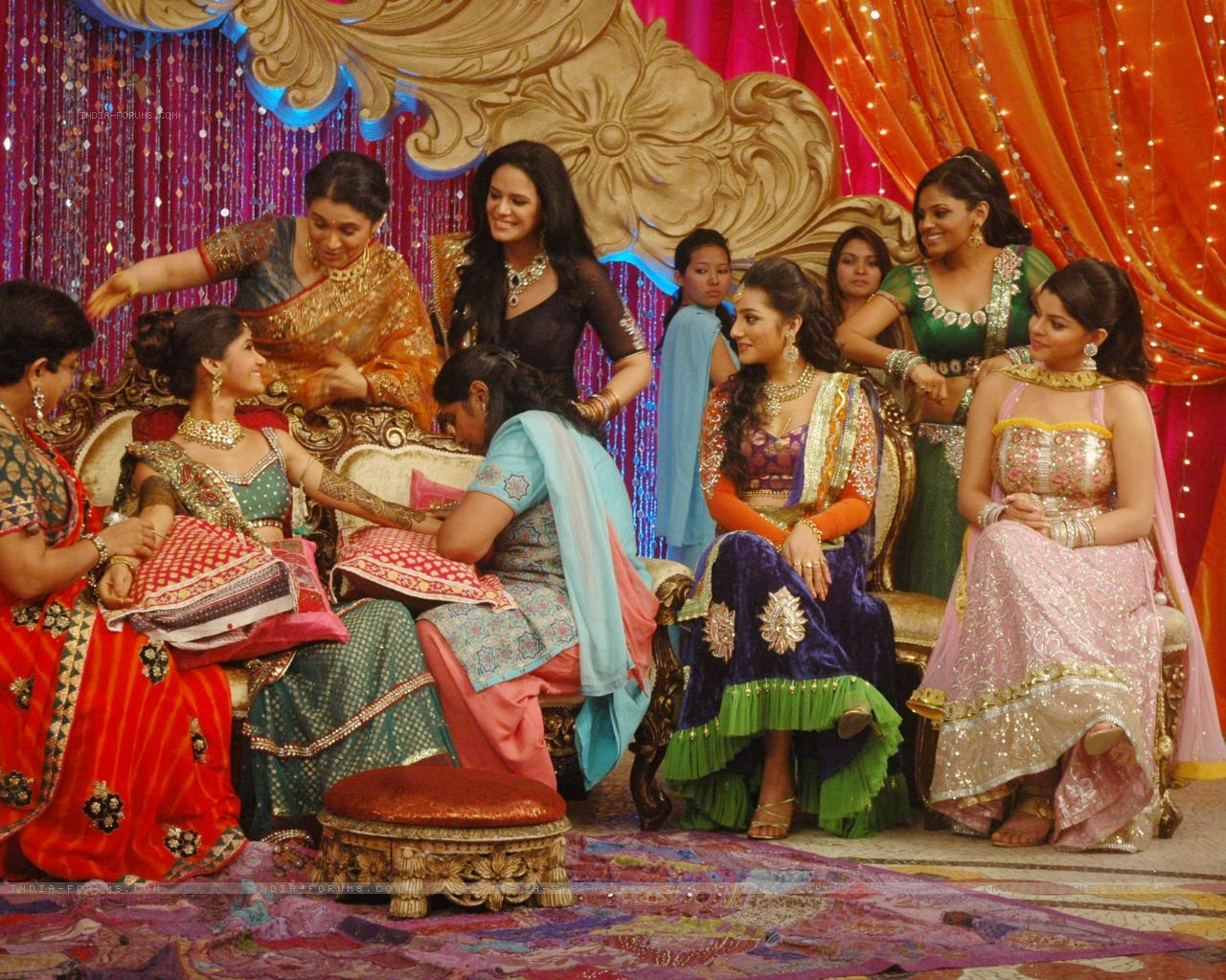 Henna Party Wedding : Mehndi ceremony on the sets of swayamvar season ratan