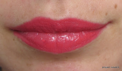 Wet n Wild Silk Finish Hot Paris Pink swatch
