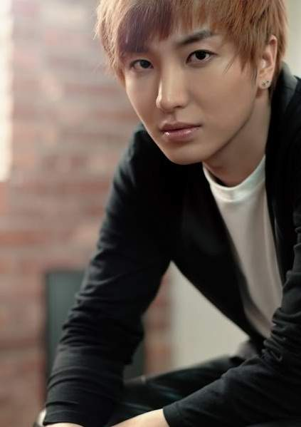 Real Name : Park Jungsu  박정수