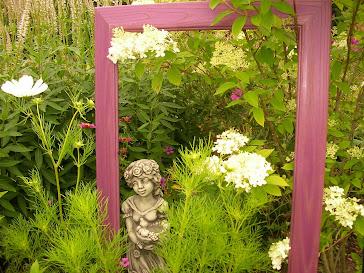 Dekobeet im Garten Behrens