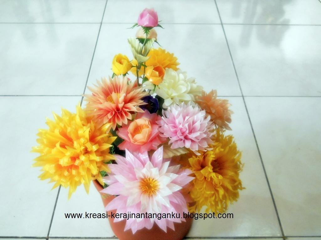 Persiapan Membuat Bunga Dari Sedotan