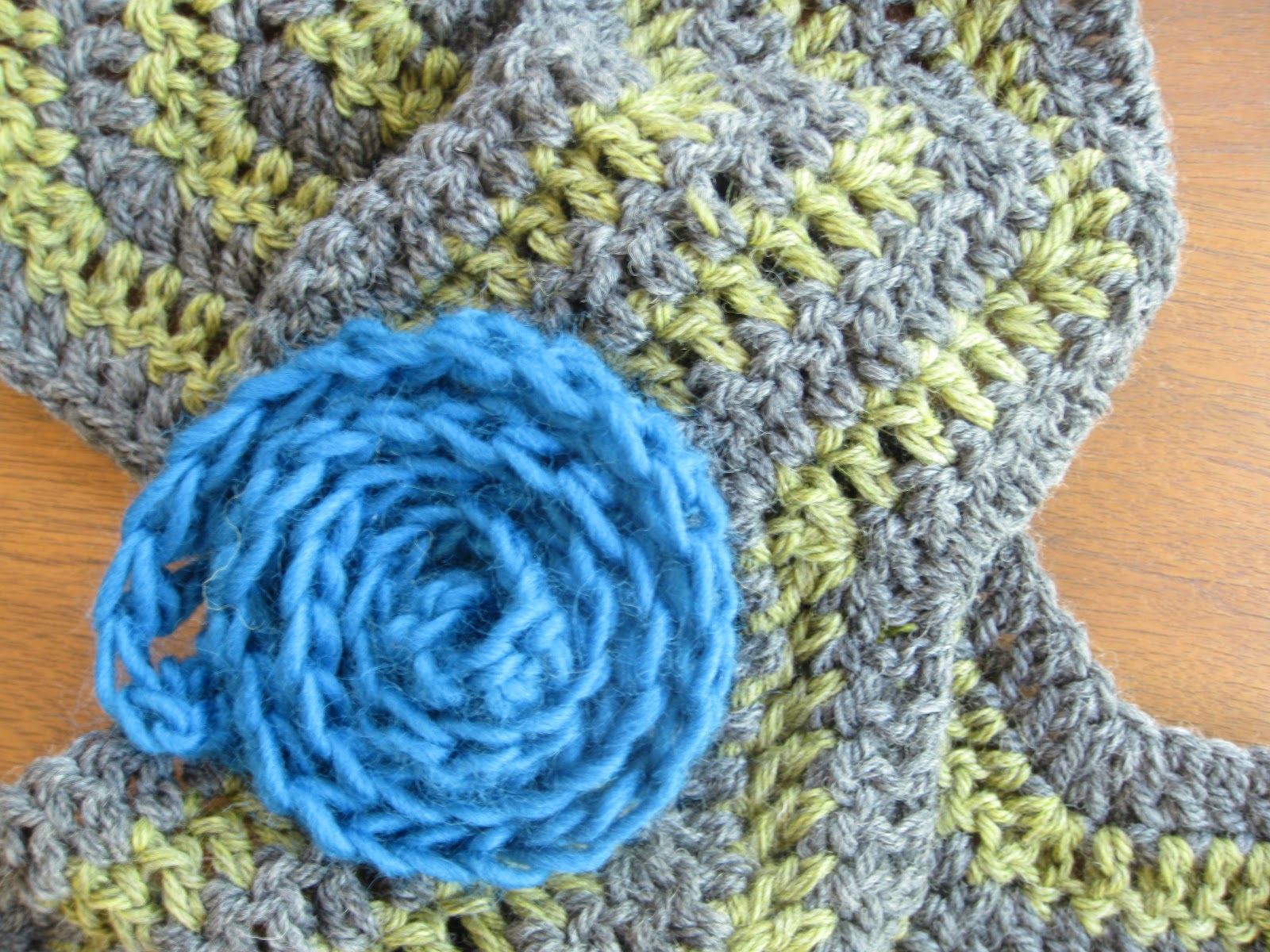 alipyper: Intro to Crochet Class: Chevron Stripe Scarf