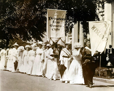 1913 women suffragettes