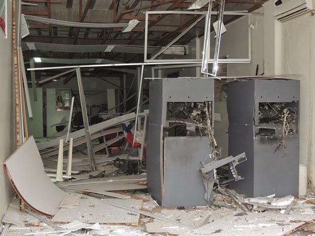 Equipamento ficou destruído (Foto: Edmarcos Mendes / Blog Amarelinho10)