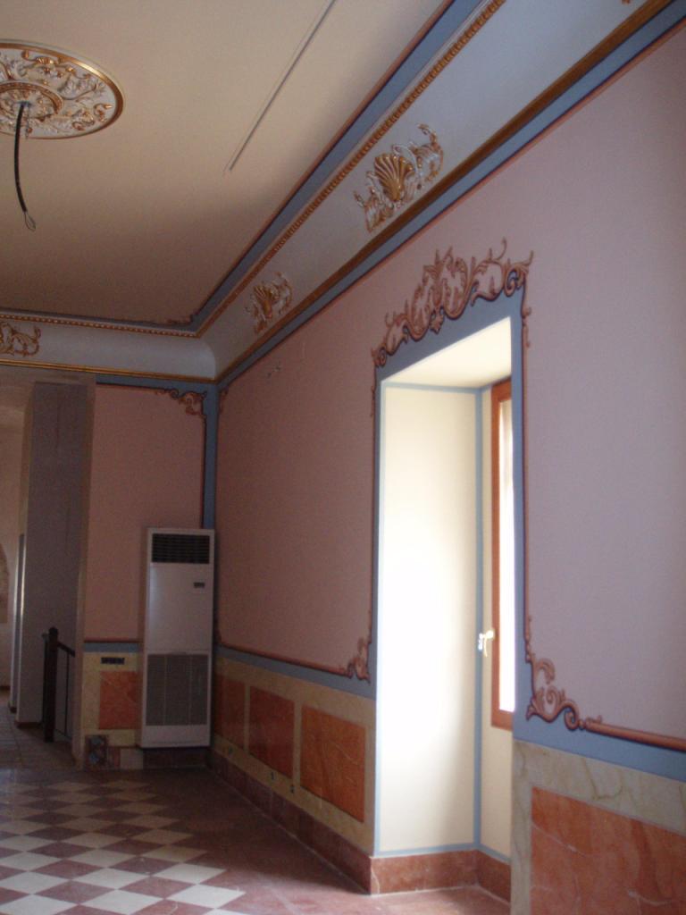 Tipos de pintura para pintar las paredes decoraci n de - Pintura metalizada pared ...