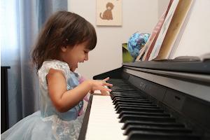 Las clases de música mejoran las conexiones cerebrales.