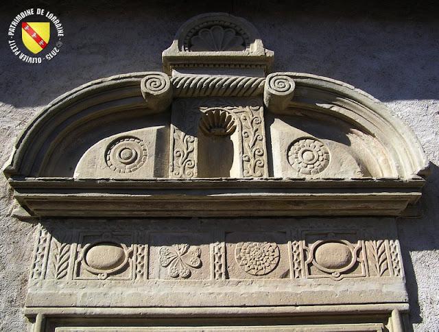 GONDREVILLE (54) - Village - Maison au portail XVIIe