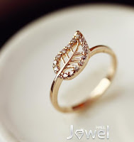2013 New Fashion Rhinestone Leaves Style Prety Lady's Ring