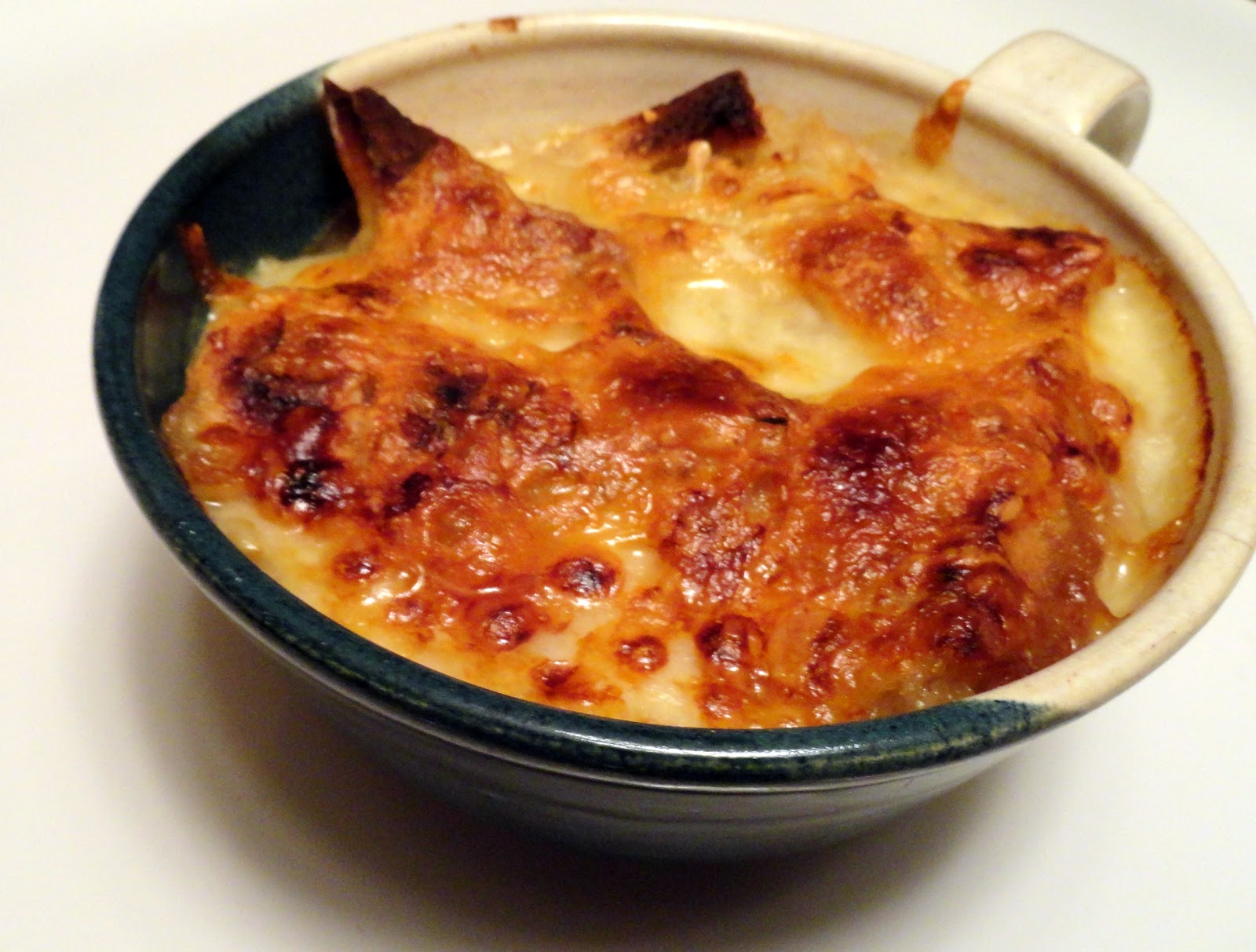 ... Couple in the Kitchen: Meatless Monday: Traditional French Onion Soup