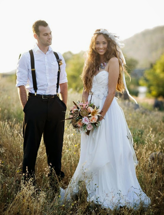 Wedding Dresses Trend: Feather Wedding Dresses