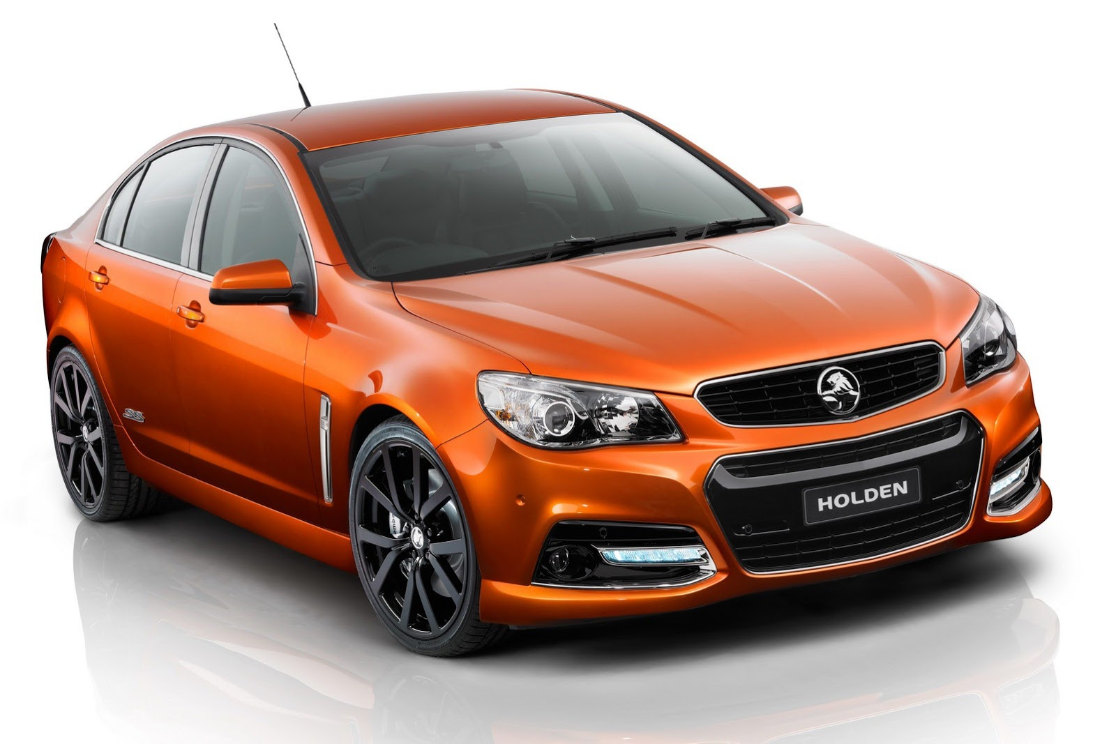 Holden unwraps new commodore ss v previews 2014 chevrolet ss w 2014 holden commodore ssv vanachro Images