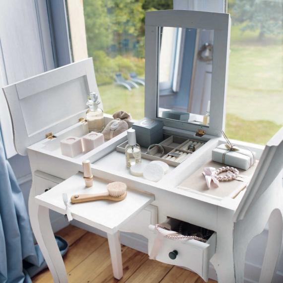 dicas para montar um cantinho de maquiagem comprando meu ap comprando meu ap. Black Bedroom Furniture Sets. Home Design Ideas