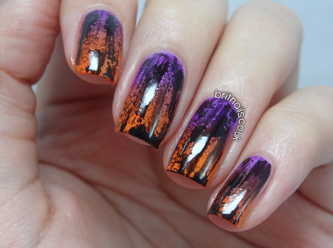 Distressed halloween gradient brit nails - Nail art halloween ...