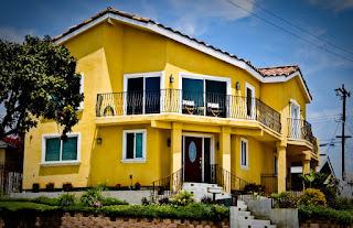 บ้านสีเหลือง
