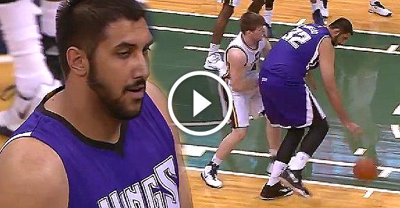 "7'5"" Sim Bhullar's Historic First NBA Basket (VIDEO)"