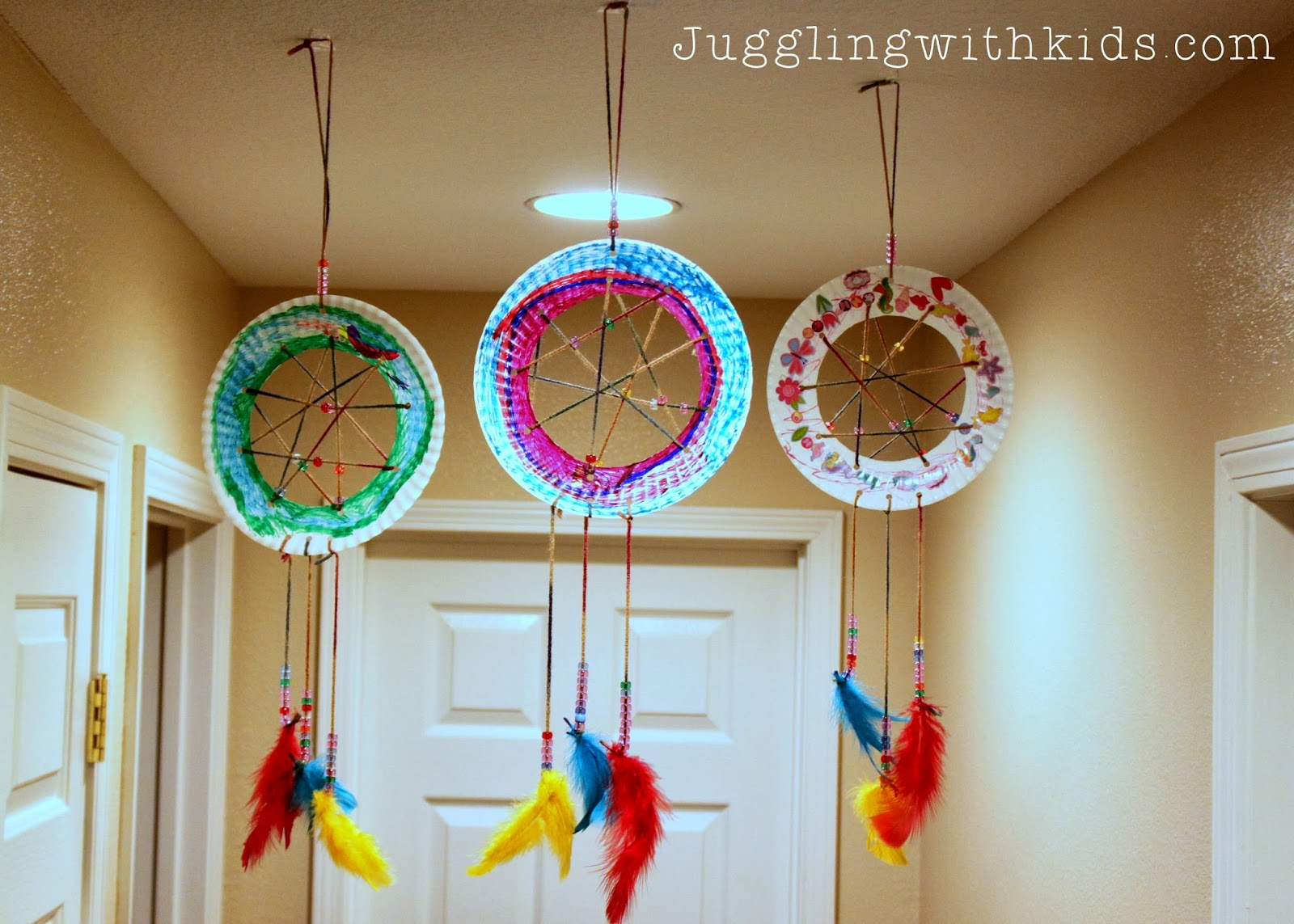 Juggling with kids the ultimate guide to feathers and our for Dream catcher craft easy