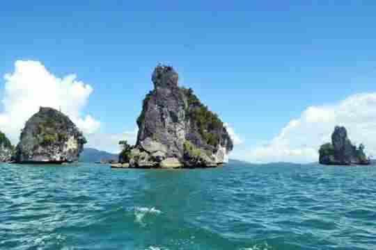 Gambar pulau karang Raja Ampat Papua
