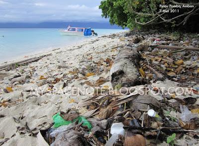 sampah di pulau pombo