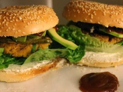 Heute gehts rund! Kichererbsen-Bagel mit Avocado