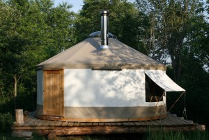 Tiny house town a 133 sq ft diy yurt a 133 sq ft diy yurt solutioingenieria Image collections