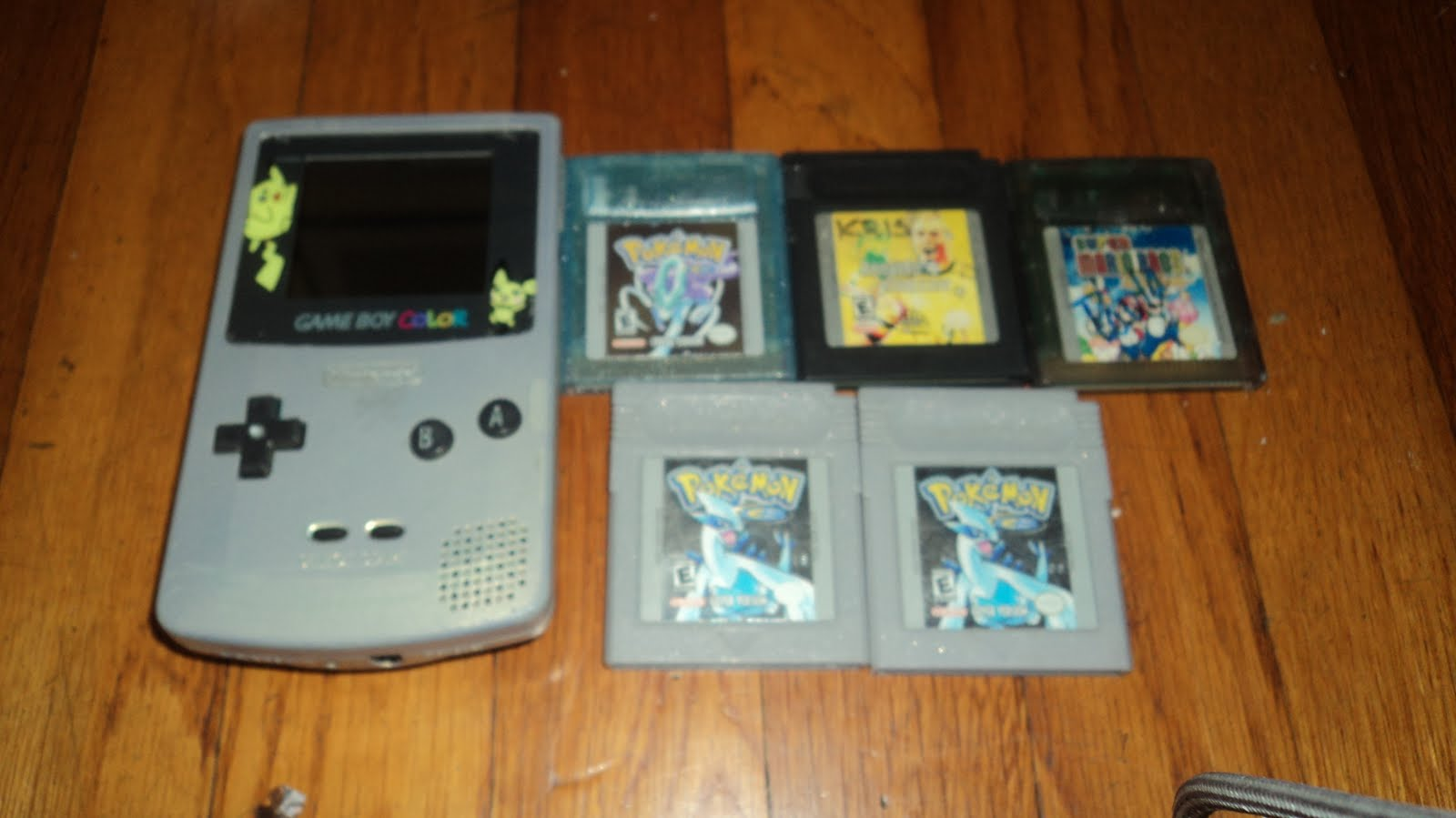 Game boy color super mario bros deluxe - I Also Picked Up Two Pokemon Silver Games For Five Bucks Pokemon Crystal For Five Bucks Ronaldo V Soccer For Two Bucks And Super Mario Bros Deluxe For